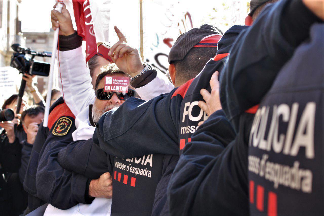 El record de la darrera vaga pressiona les patronals que cedeixen davant els metges de la sanitat concertada